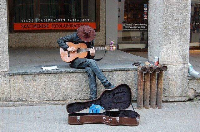 【これまでの歩み】おちこぼれ会社員→旅人から地方ミュージシャンへ