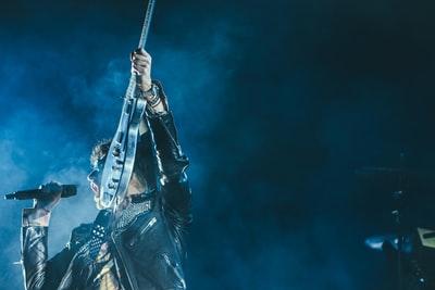 【VARK LIGHT STAGE】ギター弾き語りの実験!