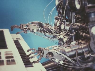 著作権フリー!無料でAIが音楽を作ってくれる【Evoke Music】使い方