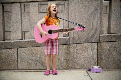 ギター弾き語りのコツを伝授!おぼえて配信に活かそう!英語の曲もあきらめないで!
